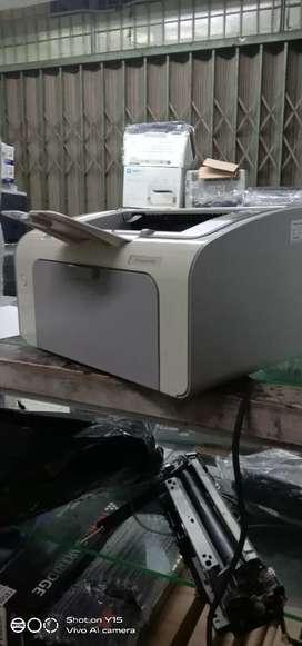 Printer hp LaserJet 1102