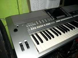 Keyboard YAMAHA PSR710 mulus
