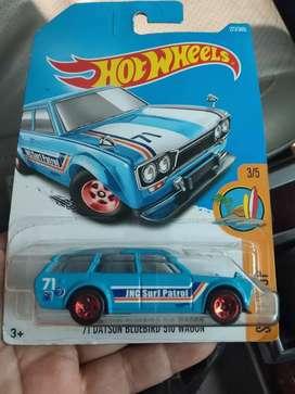 Hot wheels datsun