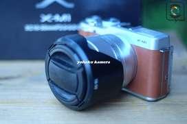 Fujifilm XM1 fullset mulus