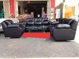 sofa besar elegan bergaransi pabrik