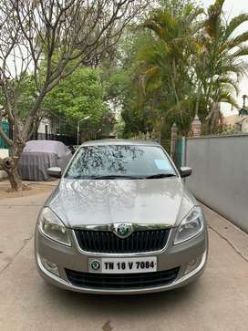 Skoda Rapid 1.6 MPI Elegance AT, 2013, Petrol
