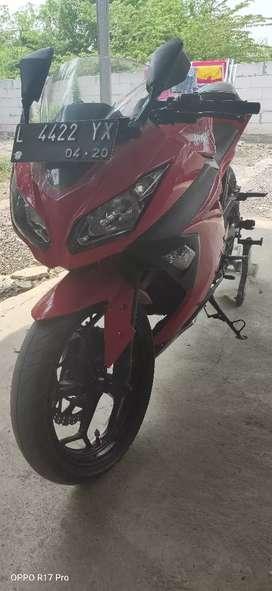 Jual kawasaki ninja 250 cc barang bagus jarang k pakai..
