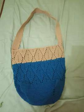 Tas rajut handle panjang warna biru krem