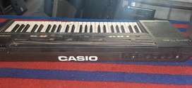 CASIO CT 805  ELECTRONIC  piano
