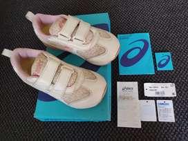 Sepatu Anak Perempuan Merk Asics Mini, Original & LikeNew (Bandung)