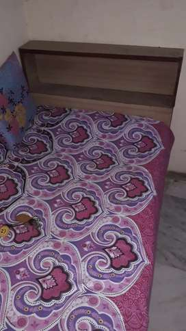Bed set at very lower rate