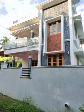 3 bhk 1450 sft 3.5 cent new build house at kakkanad near kuzhivelipady