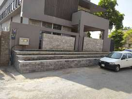 GREAT PLACE FOR SALE A PULTIPURPOSE PRIMISES BRAND NEW RWP CANTT PAK