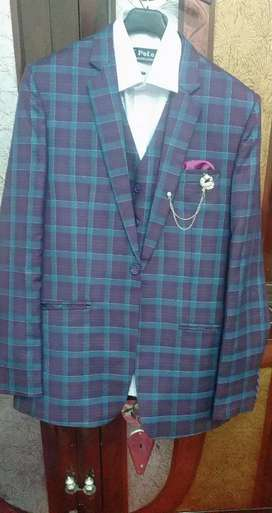 Three piece pent coat. Only one time wear on brother wedding.