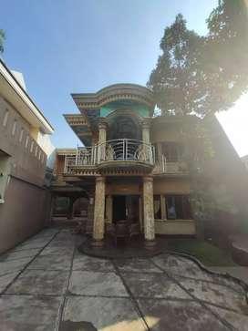 Rumah mewah di JL kukupu. Gg,Jarum Tanah Sareal