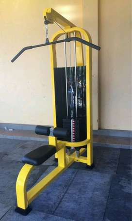 Alat fitnes indoor latt pulldown bar