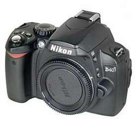 Nikon d 40 nice condition 4 years used with 18-55 nikon lense
