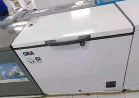 Freezer chest GEA dikreditkan kak