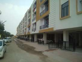 3 Bhk semi furnished ready to move flats at Mansarover extension
