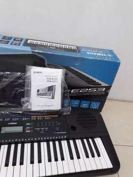 Yamaha psr E 253