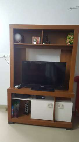 Sony Bravia 32 inches colour TV with TV Unit