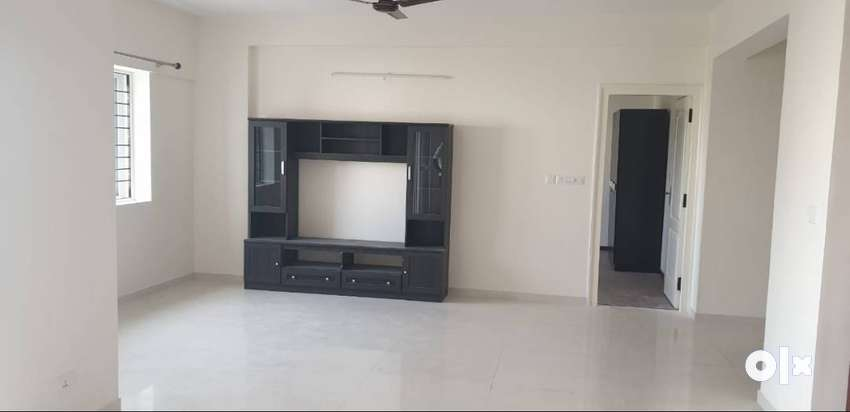 2bhk flat is avalible for lease in  pariwar palace 0