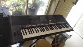 Keyboard Yamaha PSR S-950 Mulus