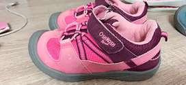Sepatu anak oshkosh size 27