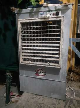 One time use coolers very good condition big colar