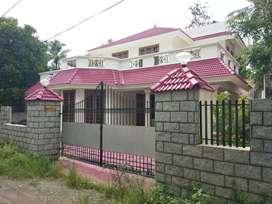 8.cent 2200 sqft 4 bhk posh house at aluva town near thottakattukara