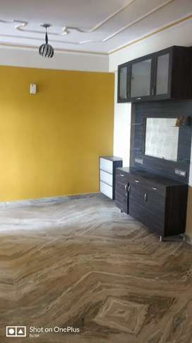 Semi furnished 2 BHK in well maintained society.