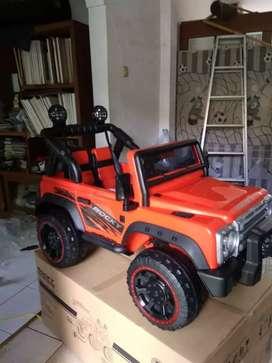 Mobil mainan aki:68