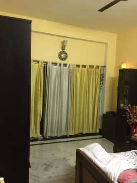 3BHK FLAT WITH 2 BATHROOMS FOR URGENT SALE.