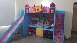 Study unit with bunk bed