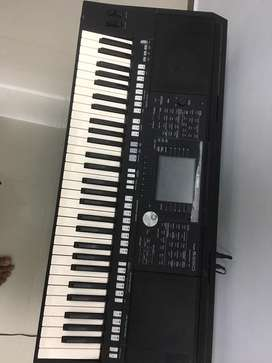 Keyboard yamaha par s950