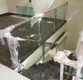 Railing tangga ballkon kaca stainless kotak