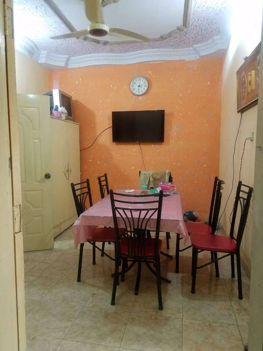 Portion for sale in liaquatabad 0