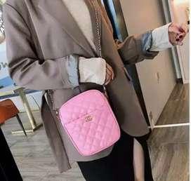 Tas selempang pocket pink