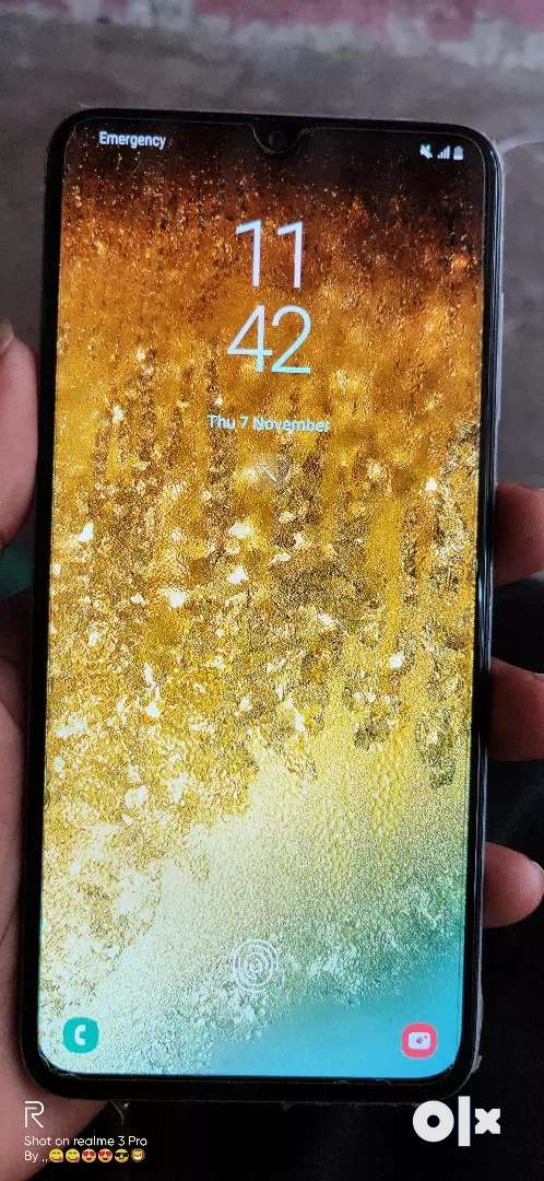 Samsung a70 new one but only mobile one month used sell or exchange 0