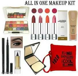 Catalog Name:*Volo Stylish Beauty Combo Makeup Set Vol 2*