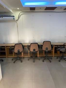 This is 600 sqft fully furnishd office for rent in rajpur road