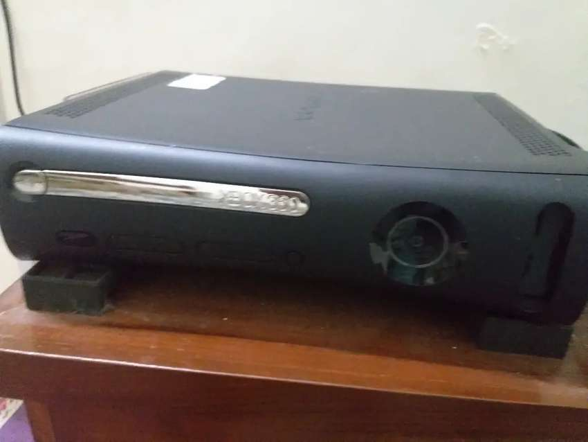 Xbox 360 jasper  japan imported with 50 popular games gt5/4and others