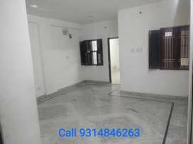 2bhk for students & working boys only