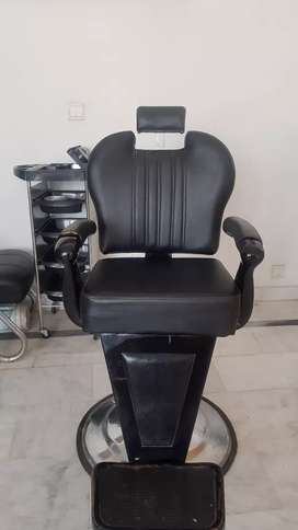 Almost new Beauty Salon Chair