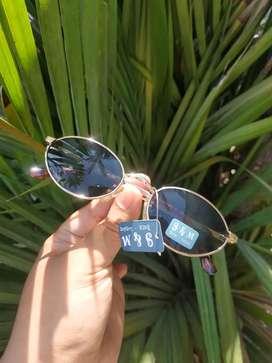 Kacamata vintage merk s&m london