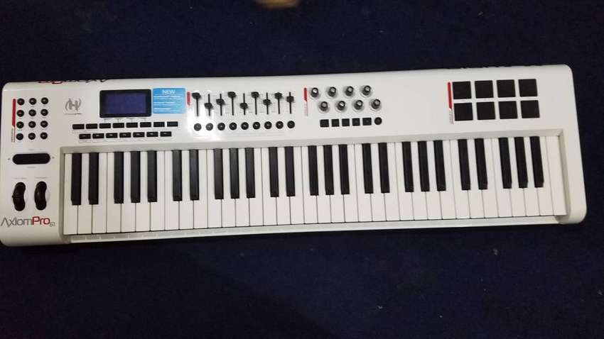 M-Audio AXIOM Pro 61 MIDI keyboard 0