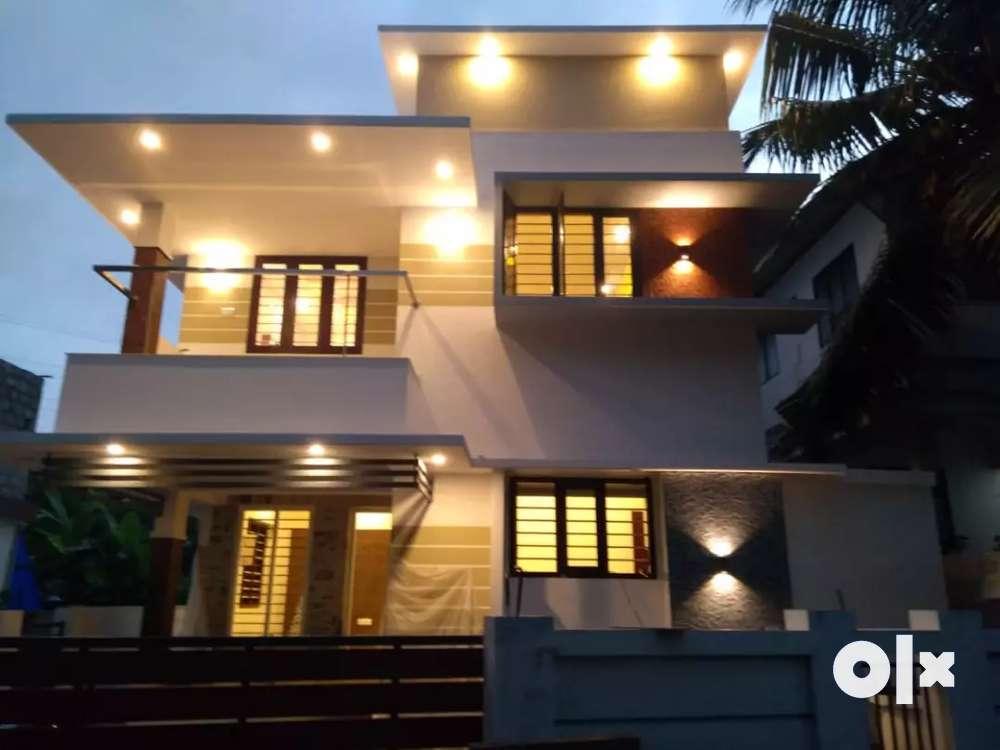 4 bedroom independent villa for sale at kakkanad near bhavans school