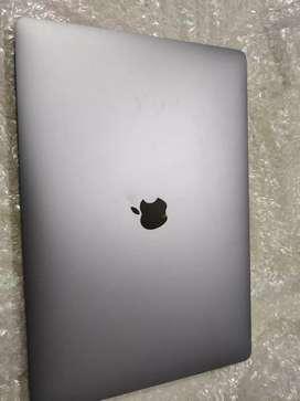 MacBook Pro core i7retina touchbaar 16gb good condition