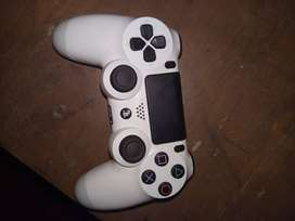 Sony PS4 controller Glassier White