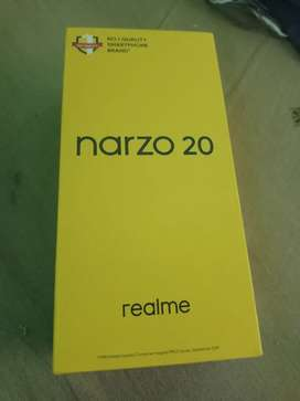 Realms narzo 20 smartphone selling