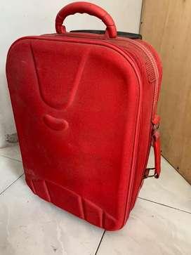 Koper bekas warna merah