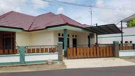 Dijual rumah hook di Batu 10 Tanjungpinang, lokasi sangat strategis.