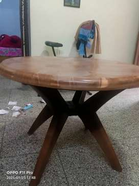 Cello round plastic table