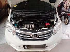 Honda Freed PSD at 2012 putik km 40rb asli